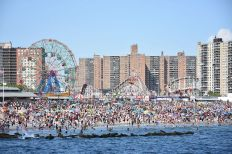 Coney_Island_beach_and_amusement_parks_(June_2016)